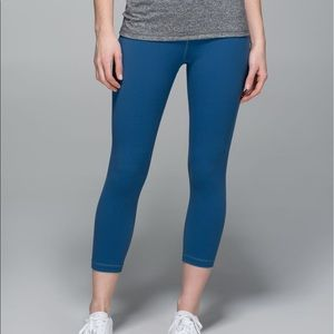 Lululemon Wunder Under Crop ⭐️NWT Hawk Blue Size 6